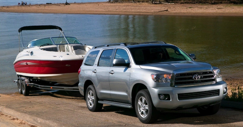 2016 toyota sequoia a large near luxury suv. Black Bedroom Furniture Sets. Home Design Ideas